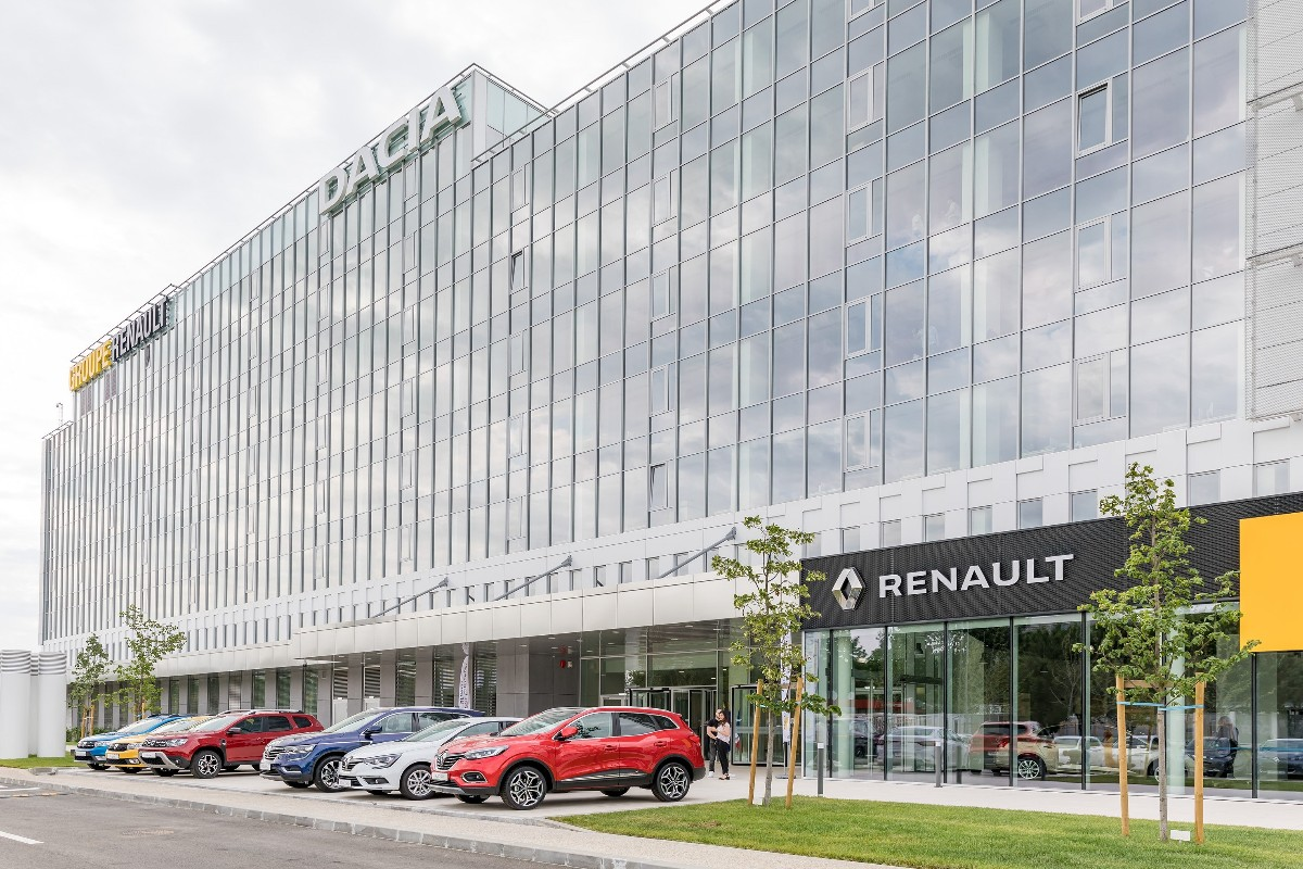 Inauguration Of The New Renault Bucharest Connected Centre4 1200x800