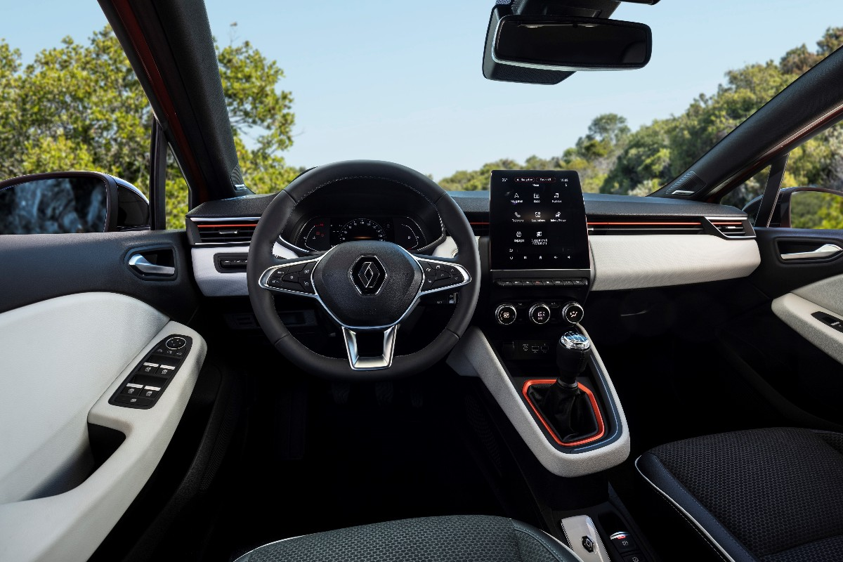 New Renault CLIO Test Drive In Portugal1 1200x800