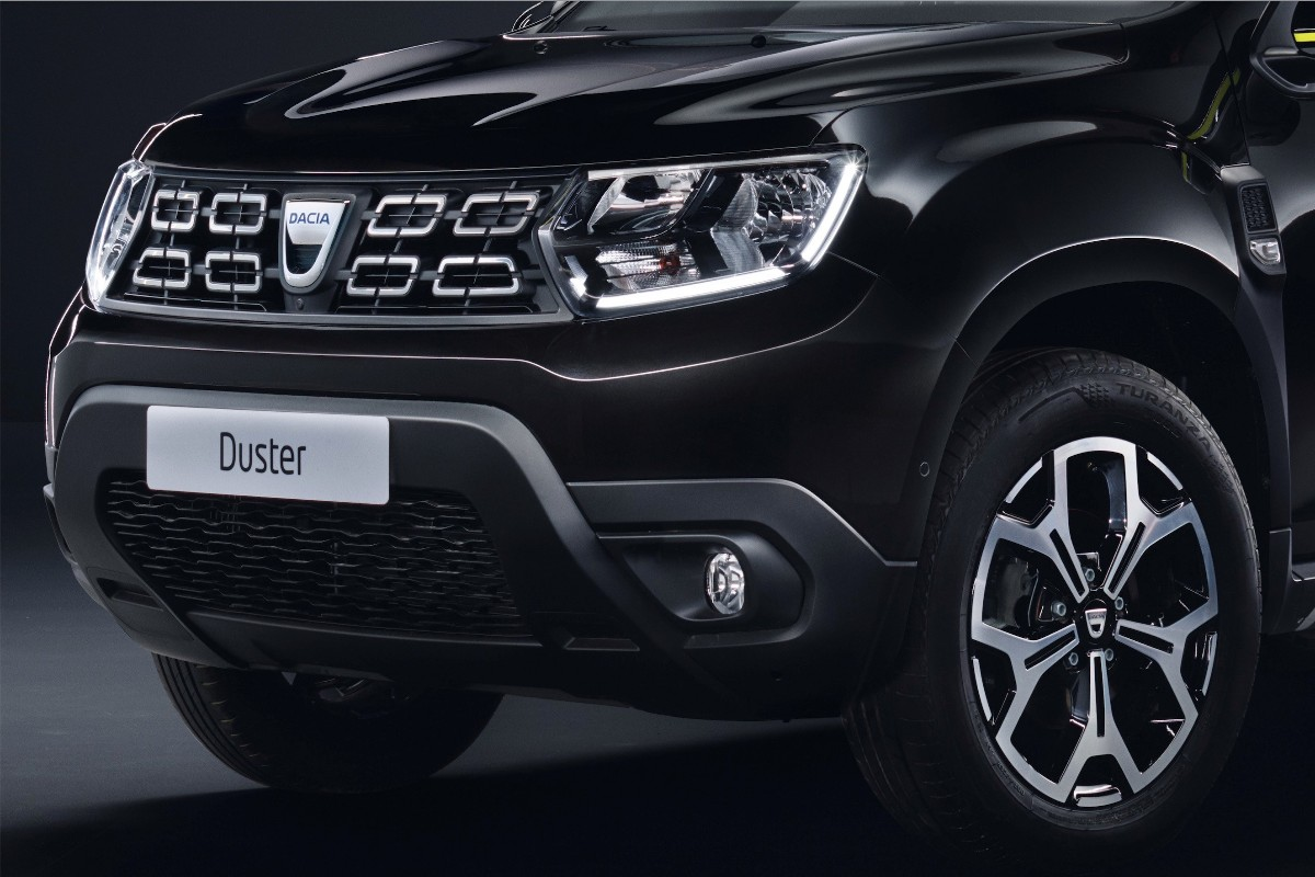 Dacia DUSTER Black Collector Limited Edition7